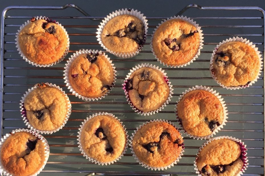 Food Fridays with Pfeiffer Georgi | Blueberry and lemon oat muffins