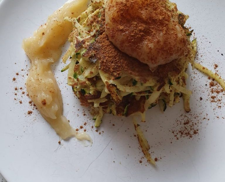 Food Fridays with Franziska Koch | Potato zucchini pancakes with apple sauce and cinnamon